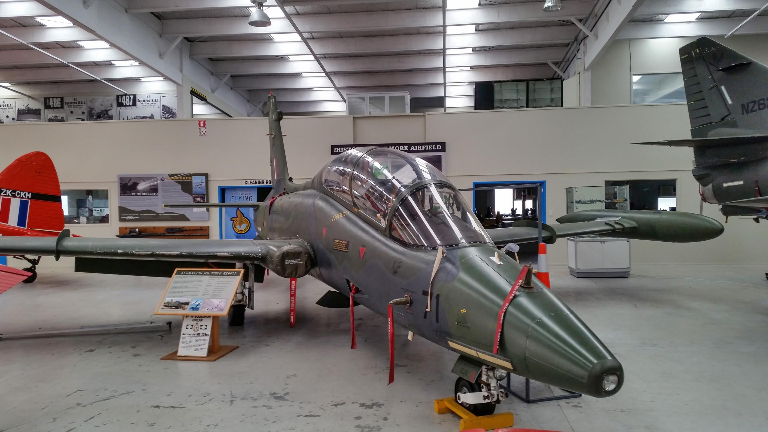 Aermacchi MB339CB - NZ Warbirds