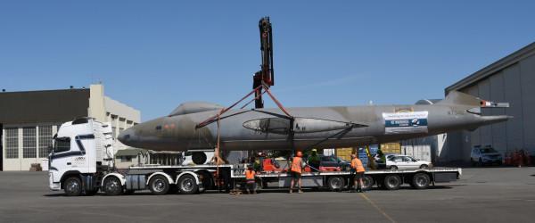 Departure of RAF Canberra WT346 for NZ Warbirds at Ardmore.